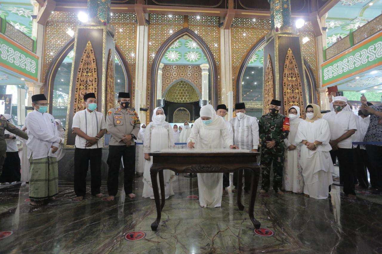 Masjid Agug Mojokerto Diresmikan Gubernur Khofifah